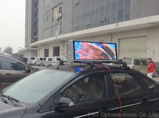 P5 Outdoor Mobile LED Display Screen on Taxi Roof with Full Color